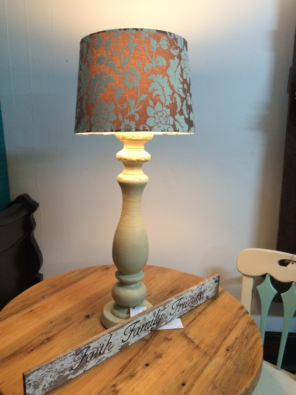 Artist Spindle Lamp